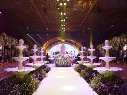 Choáng ngợp với tiệc cưới đẳng cấp xa hoa tại GEM Center