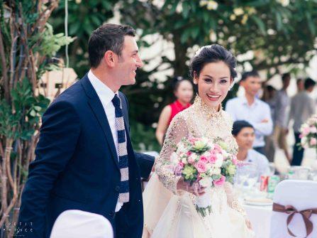 Khác biệt như vợ Việt - chồng Tây