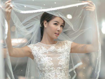 Chọn dáng váy cưới theo 12 cung sao Hoàng Đạo