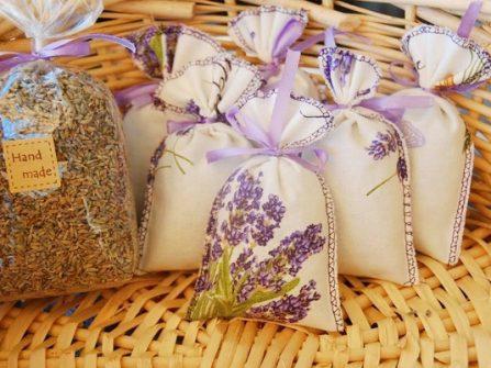 Quà cảm ơn khách mời: Túi thơm hoa oải hương khô