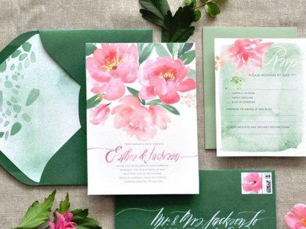 Thiệp cưới đẹp vẽ màu nước tông xanh lá và hồng