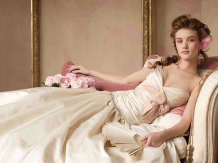 Hiểu biết về chất liệu vải, giúp may váy cưới ưng ý hơn