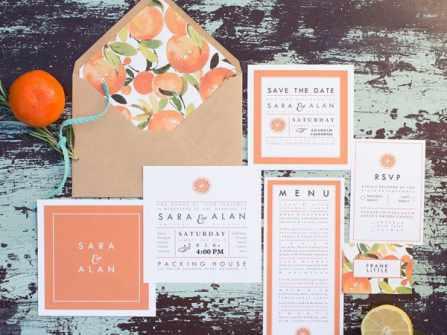 Thiệp cưới đẹp với họa tiết trái cây nhiệt đới sôi động