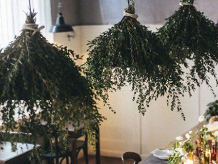 Theme cưới đẹp mộc mạc với màu xanh olive hút mắt