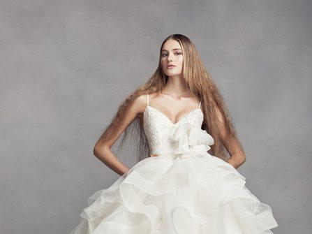 Áo cưới đẹp với chân váy xếp tầng như đóa hồng