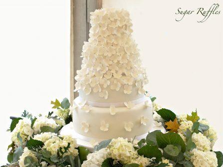 Những mẫu bánh cưới đẹp ngây ngất trang trí hoa đường ngọt lịm