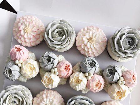 Bánh cưới đẹp - Cupcake phủ kem vanilla ngọt lịm cho ngày cưới trọn vẹn niềm vui