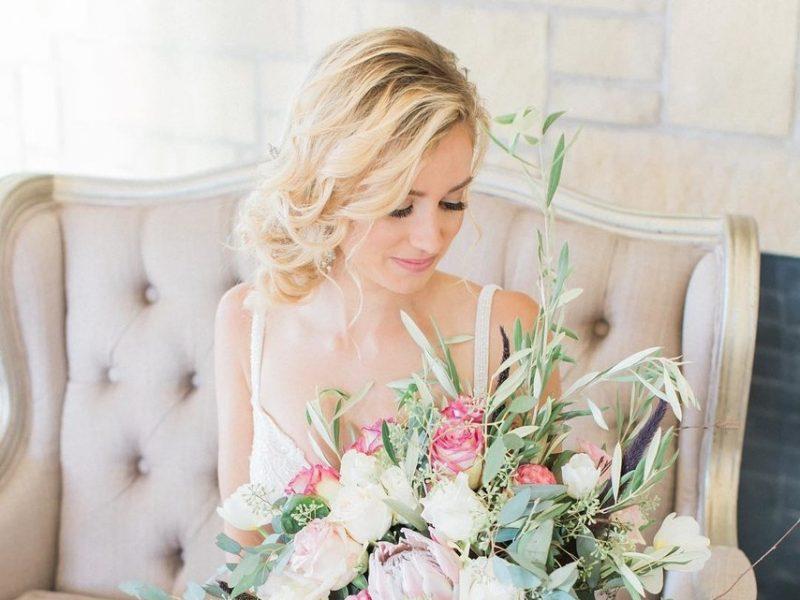 hoa cưới hoa hồng cho đám cưới đẹp như cổ tích 5