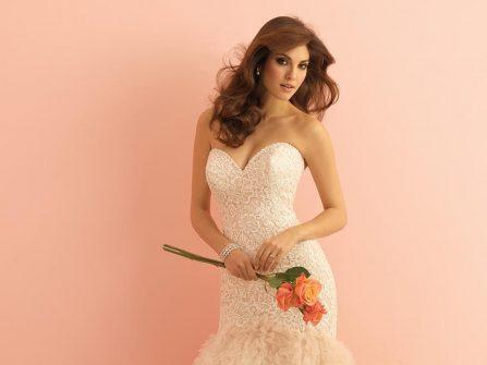 Buông lơi bờ vai cùng váy cưới đẹp gợi cảm
