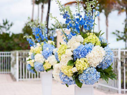Hoa cưới cẩm tú cầu trắng - xanh cho đám cưới dịu ngọt