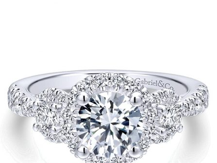 """Sắm nhẫn đính hôn, cần biết gì về thuật ngữ """"carat""""?"""