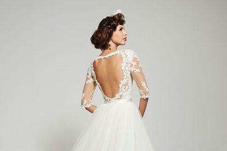Tổng hợp những mẫu váy cưới đẹp cho cô dâu bắp tay to
