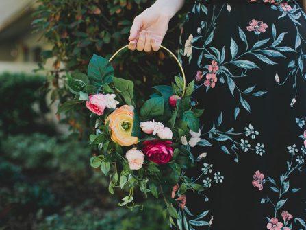 Cách tự làm lẵng hoa đẹp ngày cưới vừa dễ vừa ấn tượng