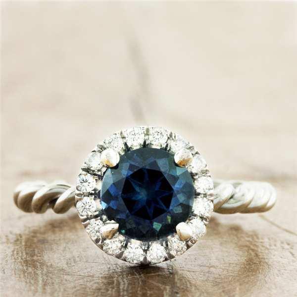 Lựa chọn an toàn và thông minh cho chị em trong ngày cưới - những chiếc nhẫn cưới đẹp và truyền thống. Hãy cùng Marry tham khảo nhé!