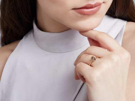 Chọn nhẫn đính hôn đẹp màu Rose Gold thời thượng