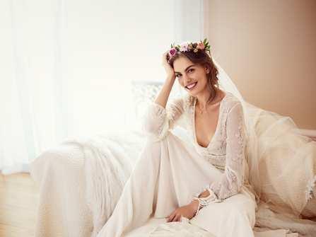 4 kiểu váy cưới cho cô dâu nhỏ nhắn