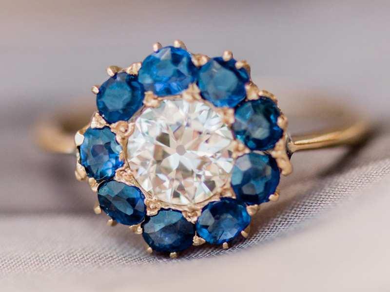 nhẫn đính hôn đẹp màu xanh navy
