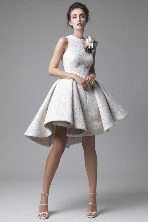 Lạc bước vào thế giới thần tiên mơ mộng cùng những thiết kế váy cưới đẹp từ BST mới nhất của thương hiệu váy cưới và trang phục dạ hội cao cấp Krikor Jabotian.