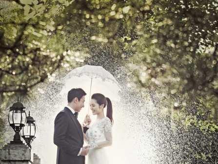 Tổ chức đám cưới mùa mưa, giải quyết nỗi lo thế nào?