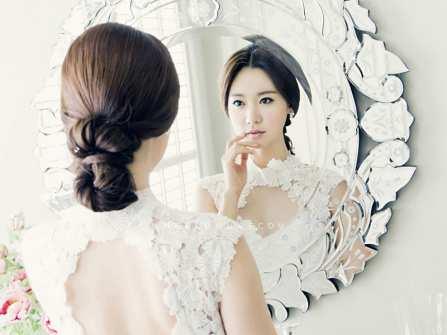 """Trang điểm cô dâu đẹp: Lời khuyên """"vàng"""" từ các chuyên gia"""