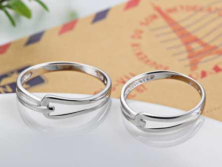 Nhẫn cưới trơn đẹp cho cặp đôi yêu thích sự tối giản