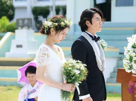 Điểm danh những đám cưới đẹp như mơ trong phim Hàn