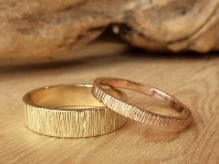 Nhẫn cưới vàng ta: Những thiết kế đơn giản mà đẹp hút hồn