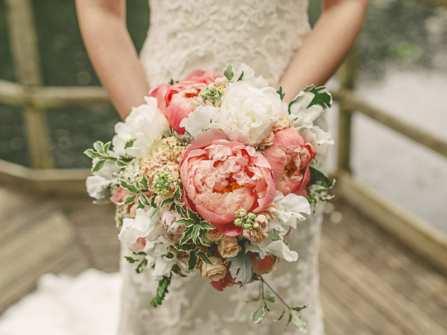 Cách bó hoa cưới đơn giản ai cũng có thể làm