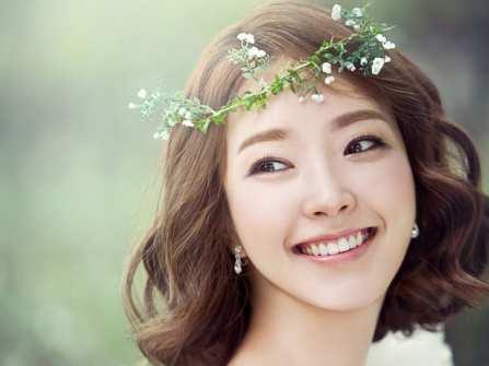 Muôn kiểu tóc cô dâu ngắn đầy xinh xắn và quyến rũ