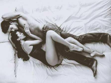 """12 giai đoạn """"thăng trầm"""" của đời sống tình dục vợ chồng"""