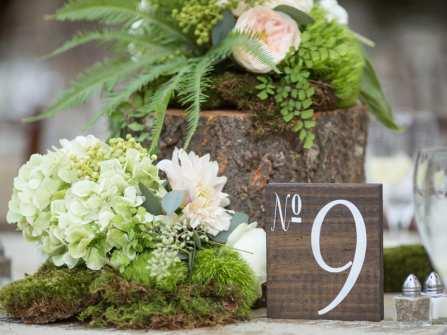 Phụ kiện trang trí tiệc cưới: Chuẩn bị chu toàn cho theme cưới Rustic
