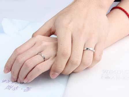 Các mẫu nhẫn cưới đẹp ngẩn ngơ từ 6 thương hiệu nổi tiếng