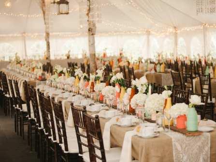 Những lưu ý khi trang trí bàn tiệc cưới ngoài trời