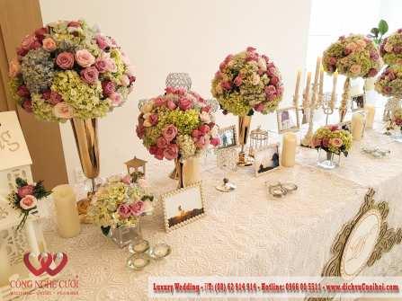 Trang trí tiệc cưới lãng mạng với tồng màu hồng