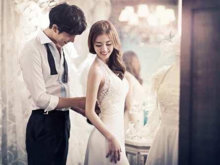 Cách chọn váy cho người gầy giúp cô dâu trông đầy đặn hơn