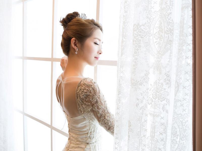 kiểu tóc cô dâu đơn giản mà đẹp