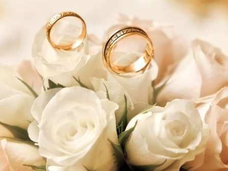 Nhẫn đôi vàng Tây thiết kế hiện đại cho vợ chồng trẻ