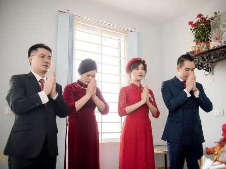 Đọc văn khấn vái gia tiên trong ngày cưới thế nào cho đúng?