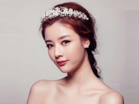Phụ kiện ngọc trai - Điểm nhấn sang trọng cho tóc cô dâu