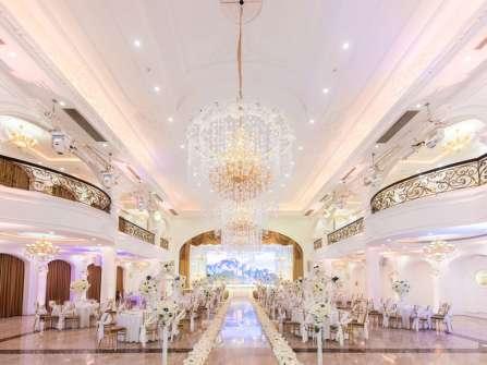 """Xu hướng cưới 2017 - 2018 được Queen Bee Luxury thể hiện trong """"White Wedding"""""""