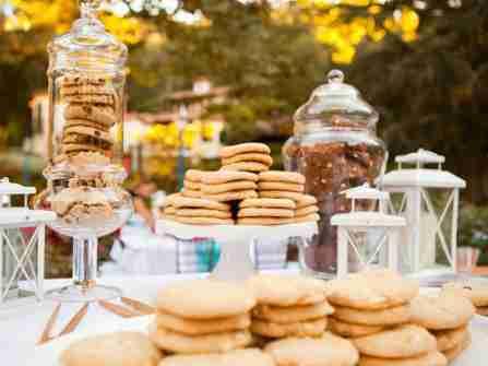 Biến món tráng miệng thành mẫu bánh kem đám cưới độc đáo