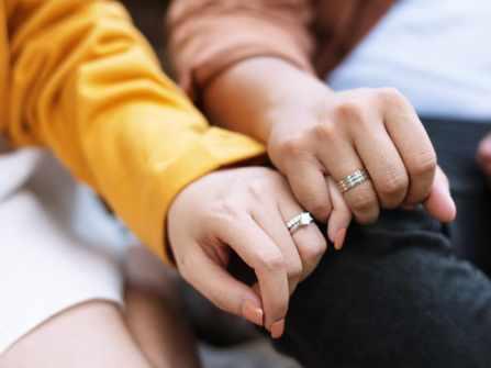 Cùng những cặp đôi trẻ trải nghiệm chọn nhẫn DOJI cho ngày chung đôi