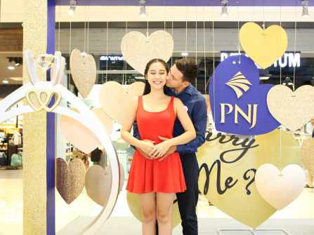9 cặp đôi may mắn sở hữu nhẫn kim cương PNJ tại Ngày Cầu Hôn