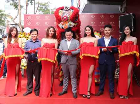 Huy Thanh Jewelry khai trương Showroom trang sức thứ 11 tại TP.HCM