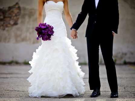 Chọn hoa cưới cầm tay