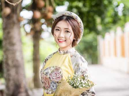 Giúp cô dâu mặt tròn biến hóa đa phong cách với chiếc áo dài cưới