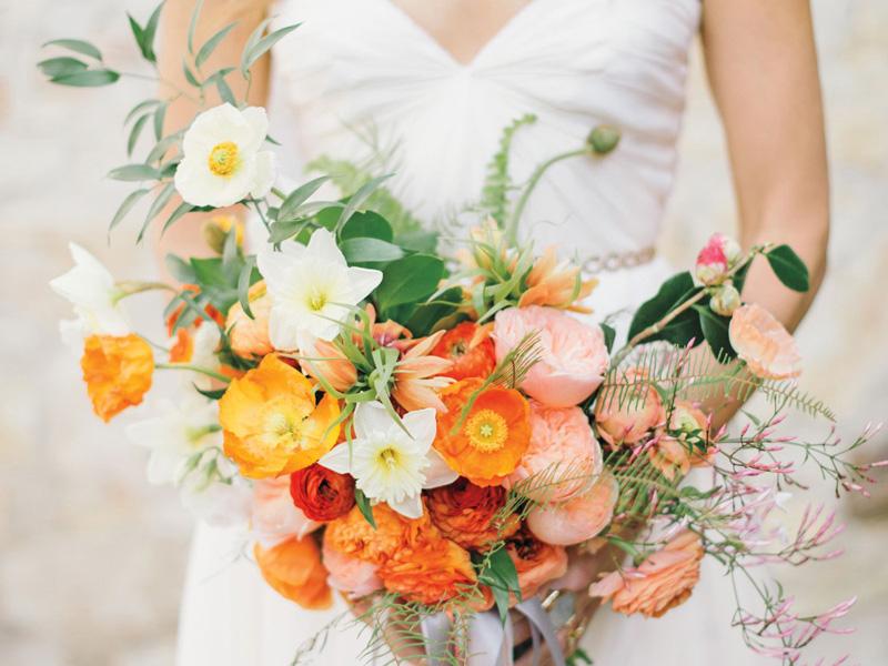 hoa cưới cầm tay màu cam 4