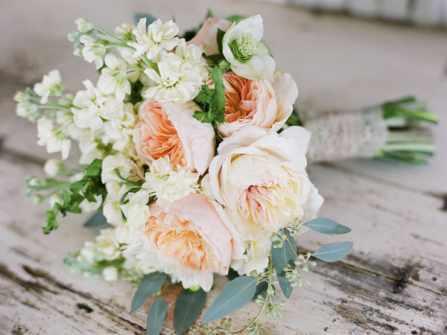 Ý nghĩa các loài hoa trang trí đám cưới không phải ai cũng biết