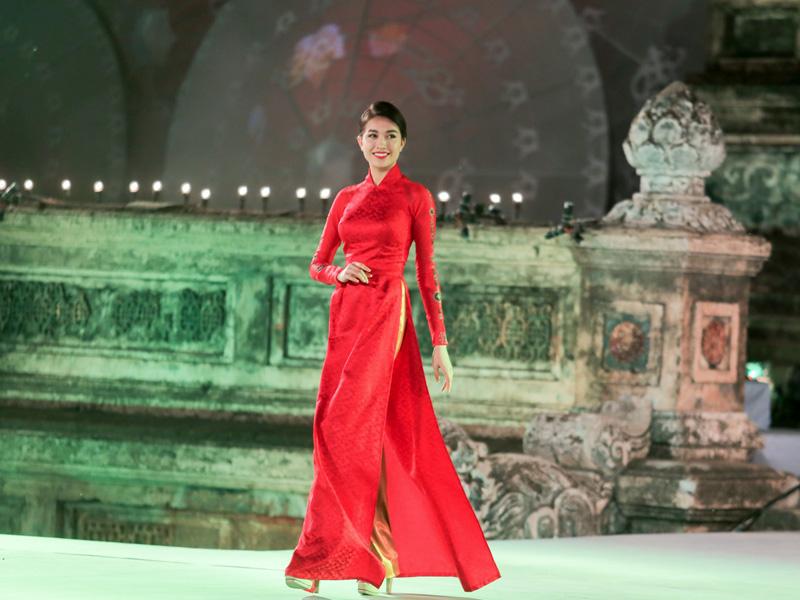 áo dài cưới đỏ 7