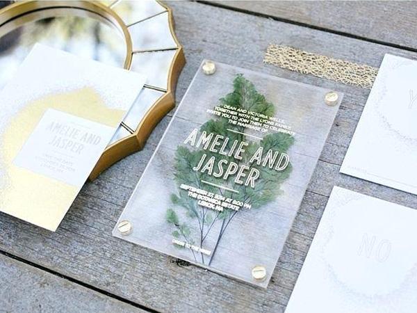 Thiệp cưới acrylic 4